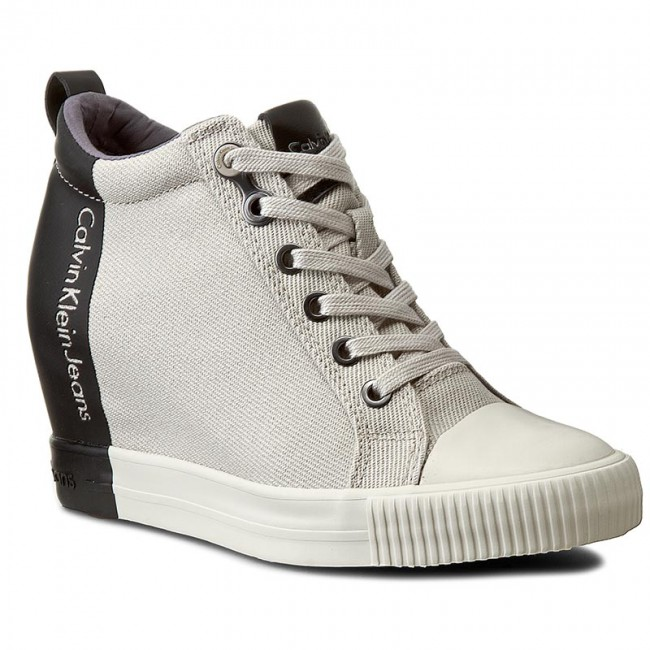 db2b96bd9f934 Damskie buty sportowe – gorące trendy 2016 - Lifestyle - PodajDalej